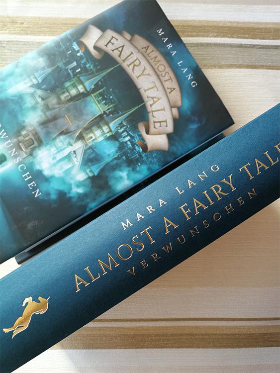 """""""Almost a Fairy Tale – Verwunschen"""" von Mara Lang"""