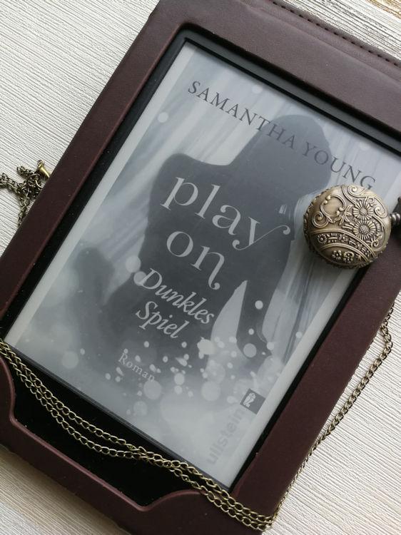"""""""Play On – Dunkles Spiel"""" von Samantha Young"""