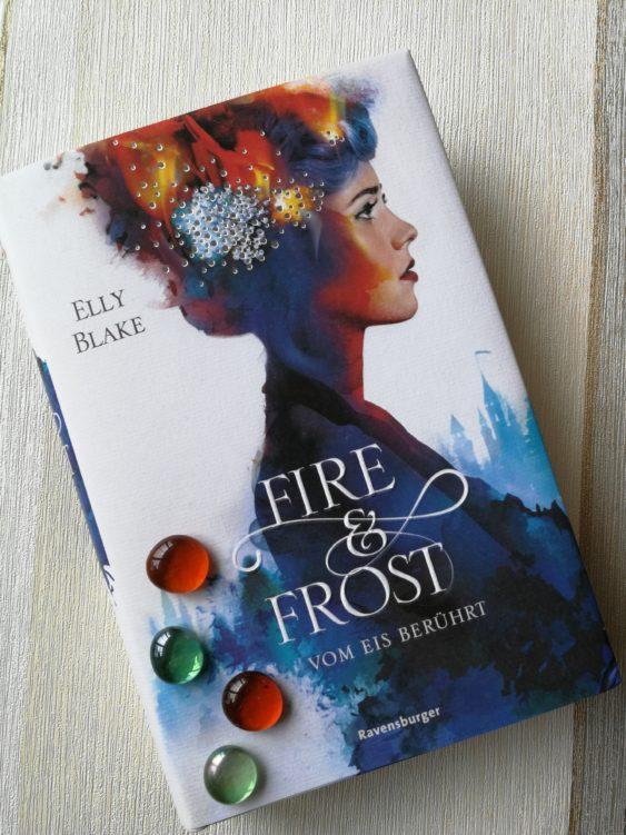 """""""Fire & Frost, Band 1: Vom Eis berührt"""" von Elly Blake"""