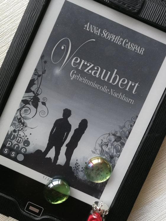 """""""Verzaubert 1: Geheimnisvolle Nachbarn"""" von Anna-Sophie Caspar"""