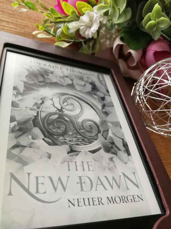 """""""Dark-Times-Trilogie 2 – The New Dawn – Neuer Morgen"""" von  Lorraine Thomson"""
