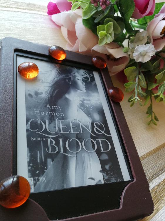 """Bird & Sword (2) – Queen and Blood"" von Amy Harmon"