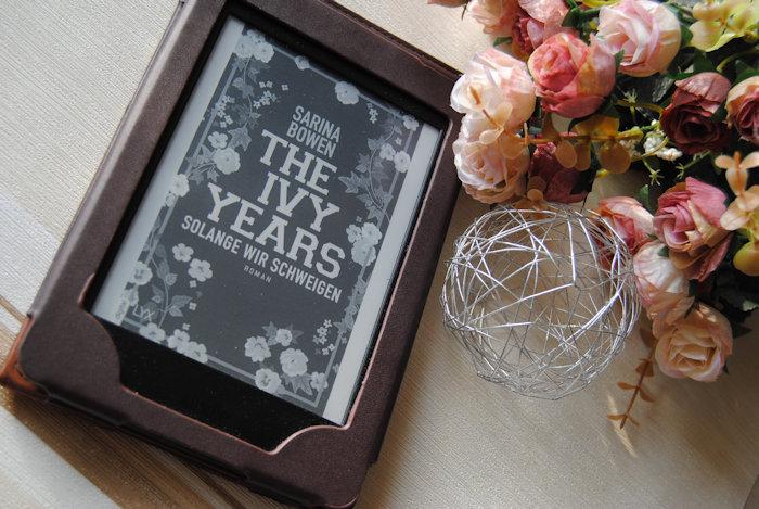 """""""The Ivy Years (3) – Solange wir schweigen"""" von Sarina Bowen"""