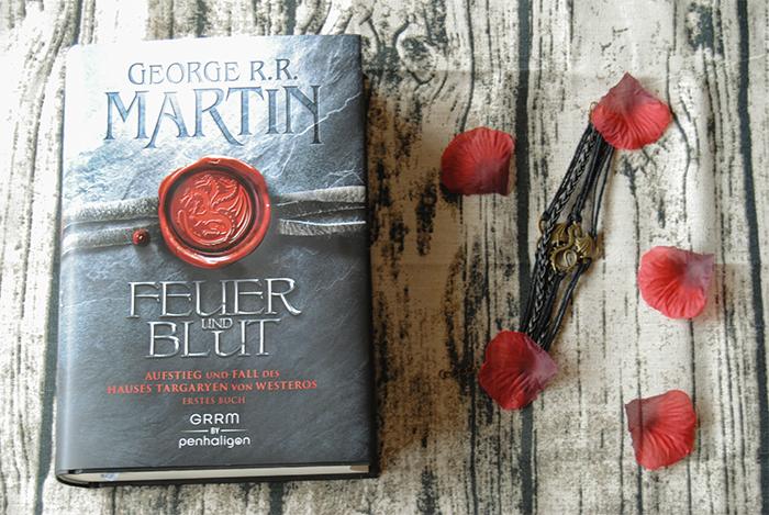"""""""Feuer und Blut – Erstes Buch: Aufstieg und Fall des Hauses Targaryen von Westeros"""" von George R.R. Martin"""