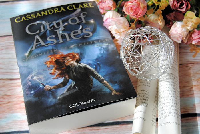 """""""Chroniken der Unterwelt 2: City of Ashes"""" von Cassandra Clare"""